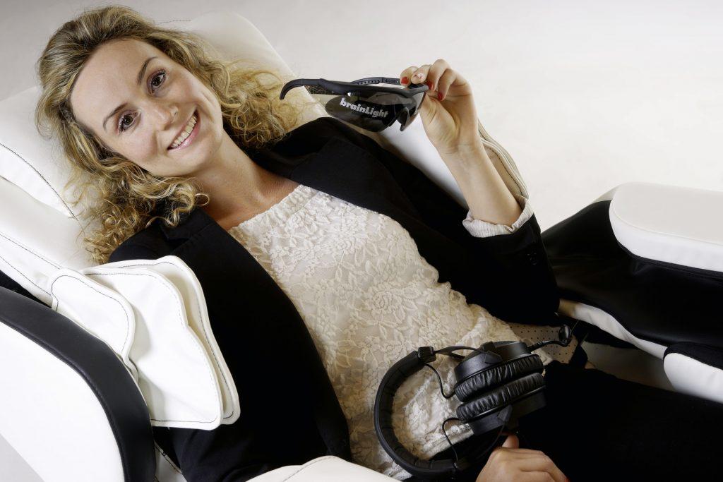 brainLight flexibel testen. Massagesesel und Modul für die mentale Entspannung. Showroom Sankt, Augustin, Siegburg, Bonn, Köln und Rhein-Sieg-Kreis